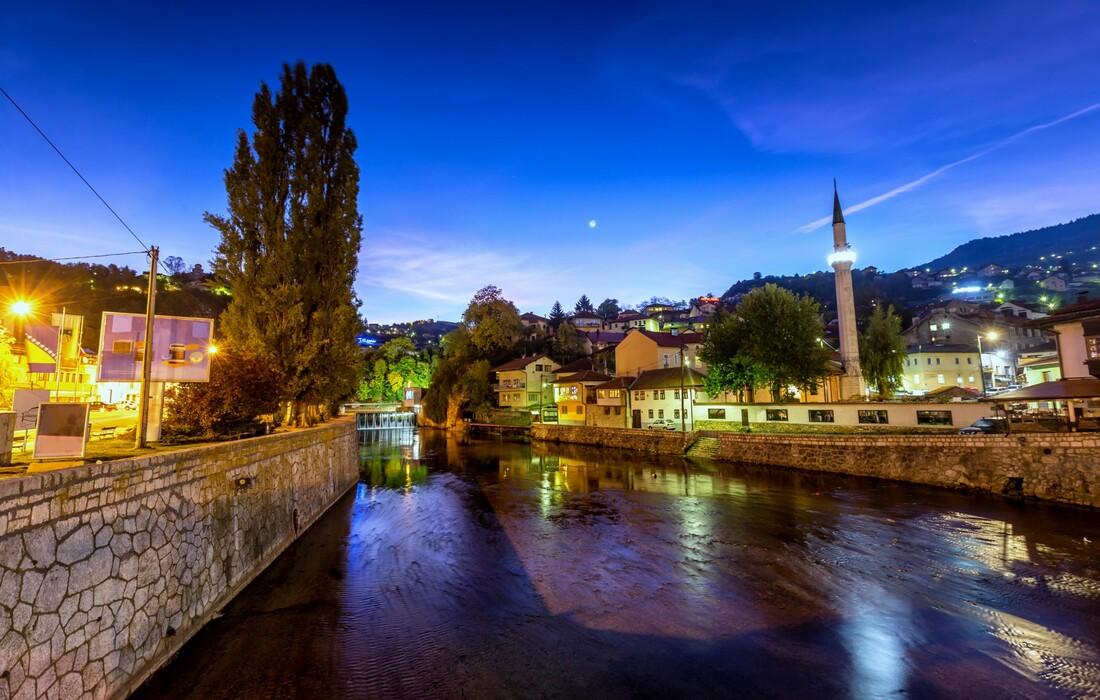 Sarajevo po noći