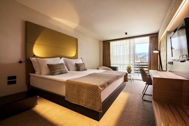 Bled, Hotel Rikli Balance Hotel, dvokrevetna soba pogled jezero