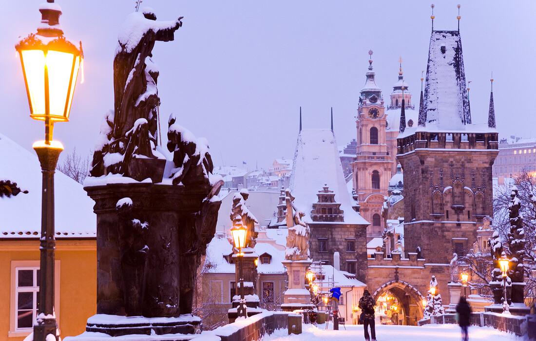 Karlov most pod snijegom, putovanje u Prag