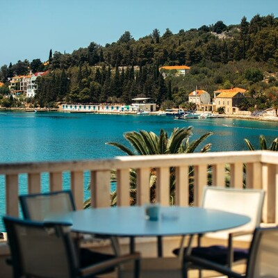 Otok Korčula, Vela Luka, Hotel Korkyra, terasa pogled more