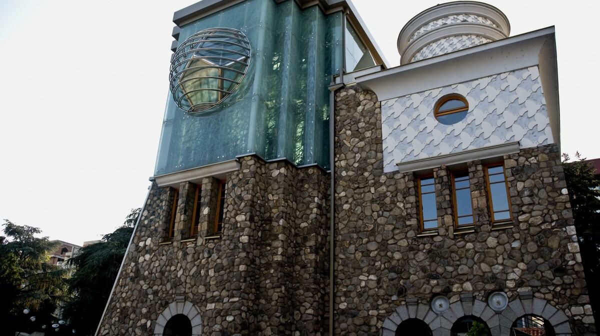 Makedonija, Skopje - Kuća Majke Tereze u središtu grada, putovanje autobusom