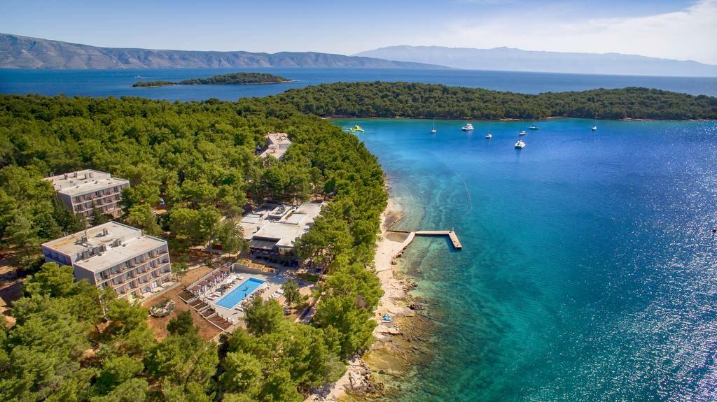 Ljetovanje Hrvatska, otok Hvar, pogled na hotel