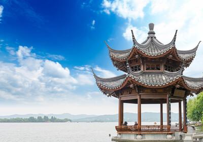 Kina - Hangzhouu - paviljon na jezeru, velika kineska tura, mondo travel, daleka putovanja