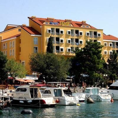 Hrvatska, Hotel Selce, Ljetovanje, izgled hotela izvana