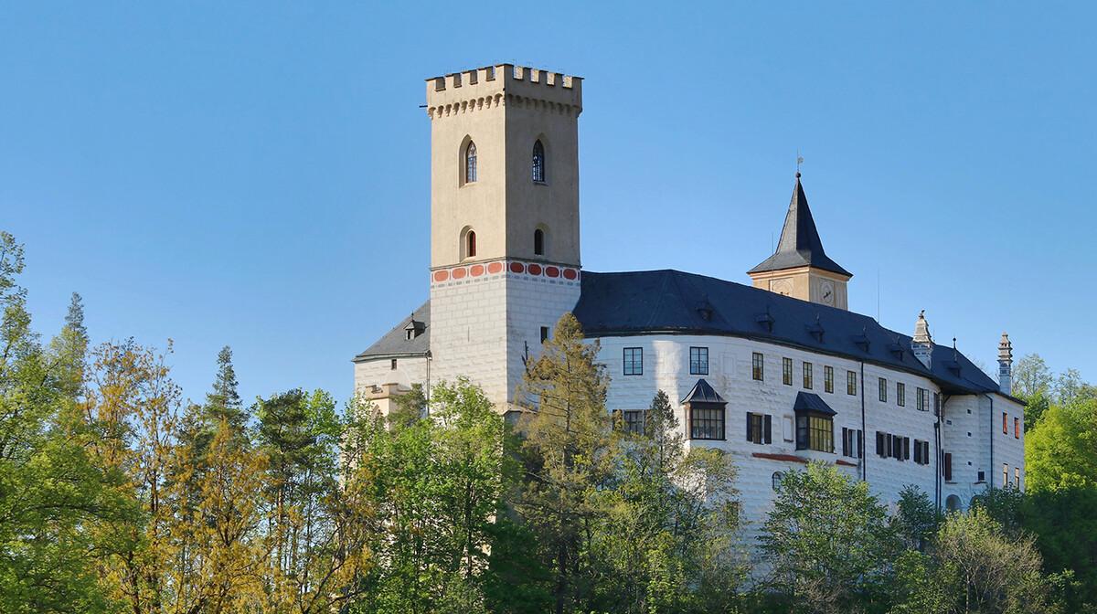 dvorac Rožmberk nad Vltavou, putovanje u Češku, mondo travel
