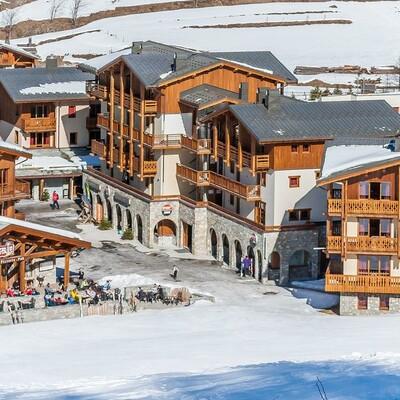 Skijanje u Francuskoj, Val Cenis,  Lanslevillard Les Balcons de Val Cenis Village, izvana apartmani.