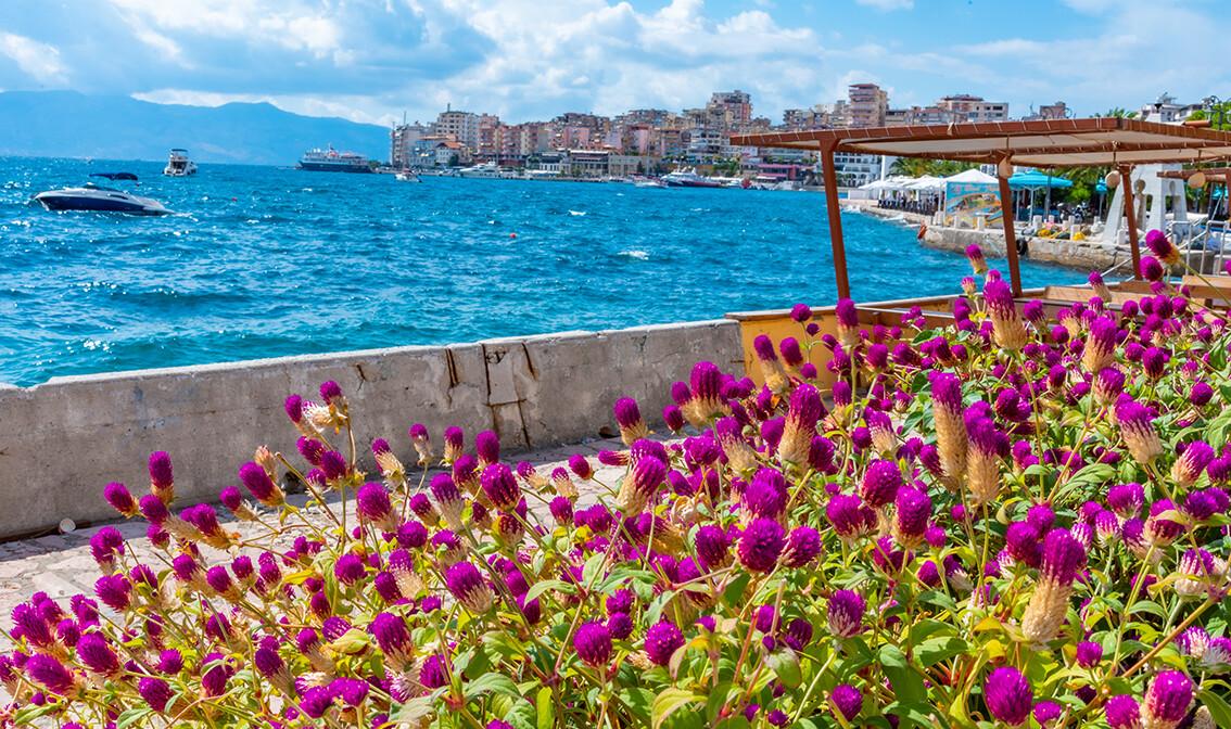 Albanija, Saranda, šetalište uz more