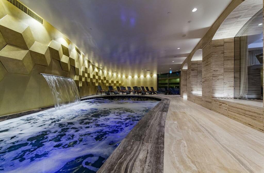 Unutarnji bazen u wellness centru Boutique hotela Alhambra