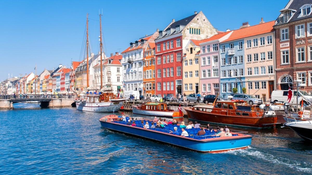Kopenhagen, krstarenje kanalima, putovanje živopisnim zrakoplovom