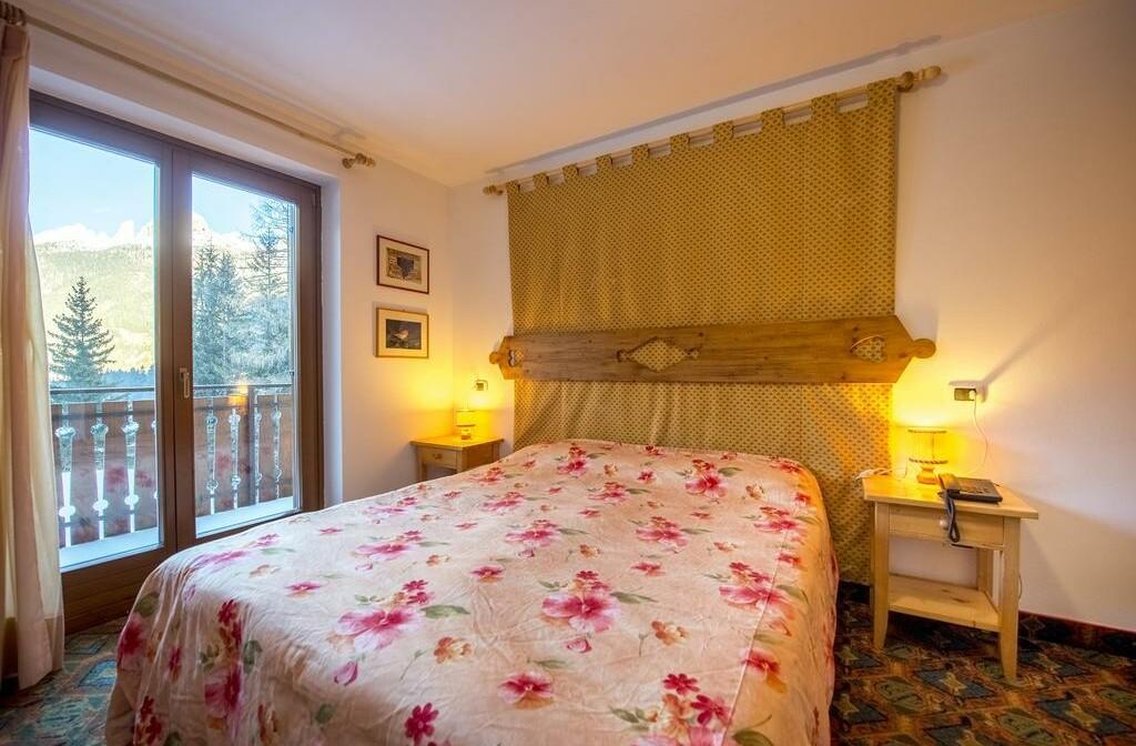 Skijanje u Italiji, Alba di Canazei, Hotel Villa Emma, krevet