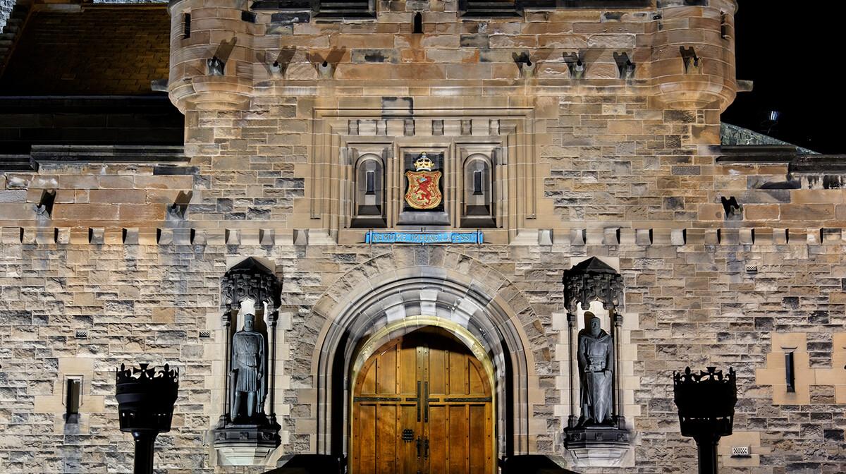 Edinburški dvorac, putovanje u Škotsku zrakoplovom, garantirani polazak, Mondo travel