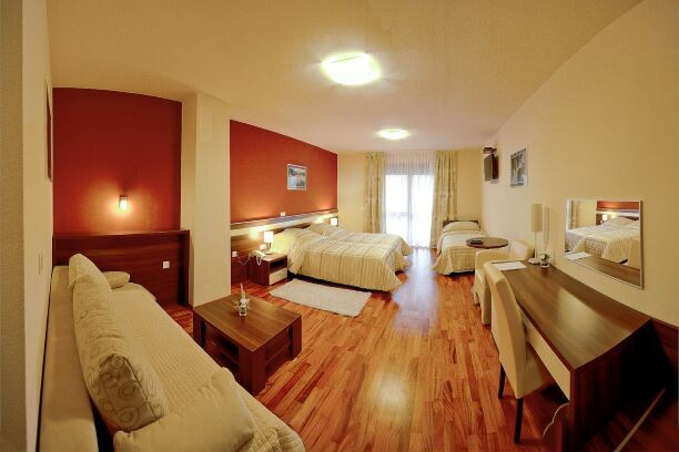 Hotel Degenija, obiteljska soba