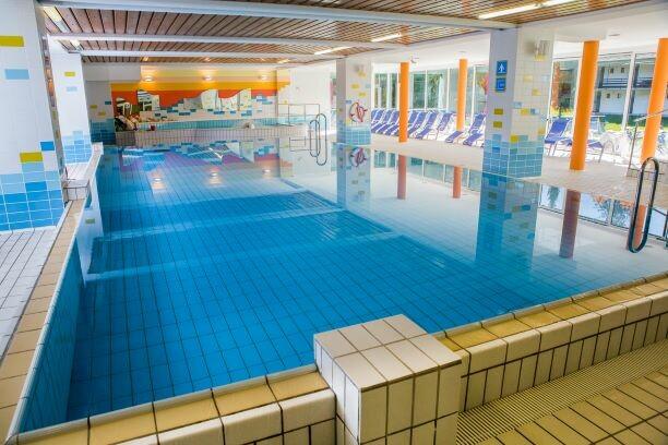 Slovenija, Skijanje i wellness Slovenija, Hotel Kompas, unutarnji dio bazena