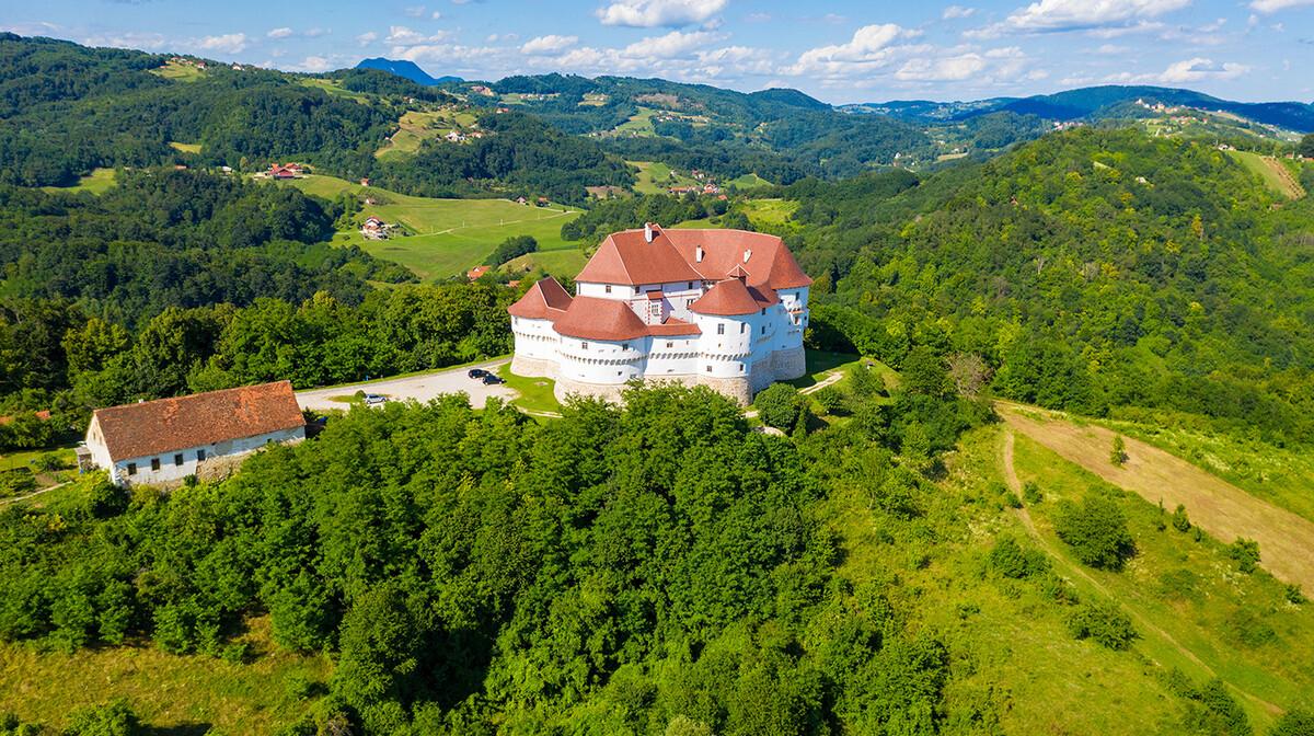 Hrvatska, Veliki Tabor pogled iz zraka, grupna putovanja autobusom po Hrvatskoj, posebne ponude
