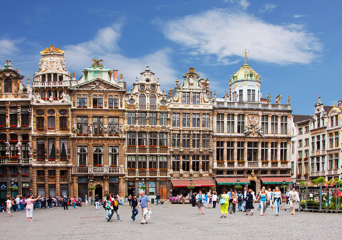 Grand Place u Bruxellesu, putoavanje Zemlje Beneluxa, putovanje autobusom