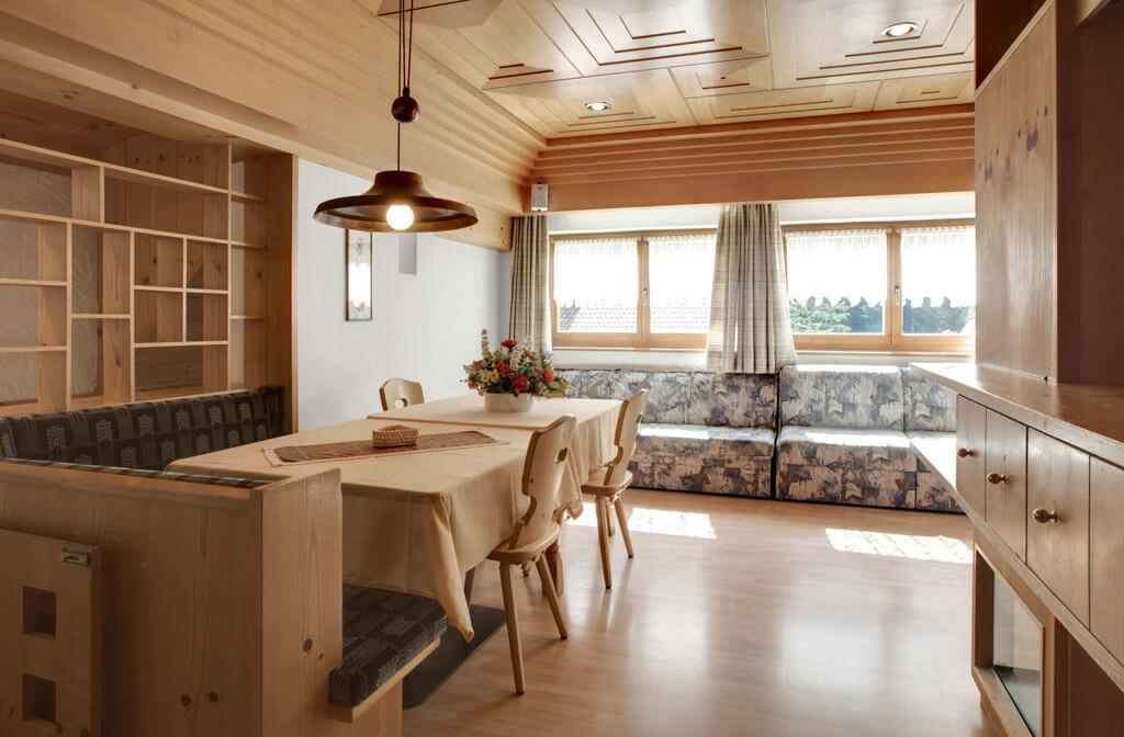 Skijanje u Italiji, Alta Badia, Apartmani Chalet Pinis, dnevni boravak