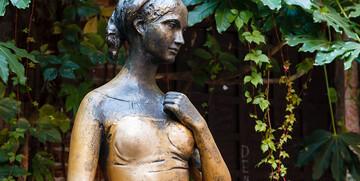 kip Julije ispred njene kuće, putovanje u veronu, europska putovanja autobusom, italija