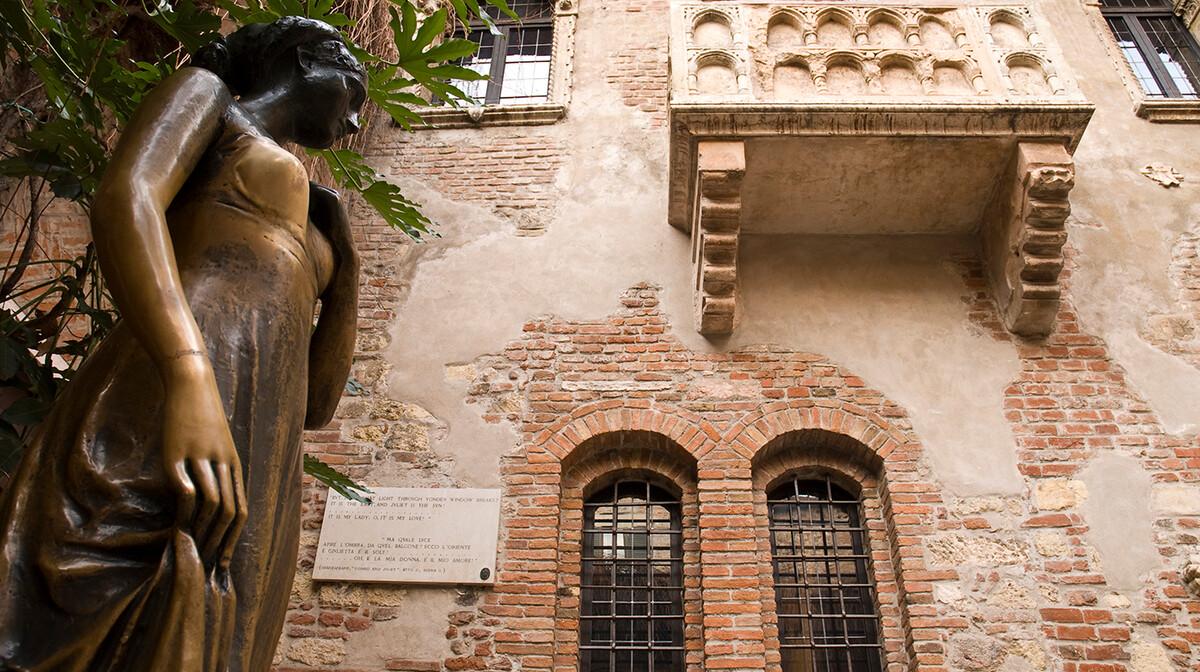 kip Julije ispred njene kuće, simbol nesretne ljubavi, putovanje u veronu