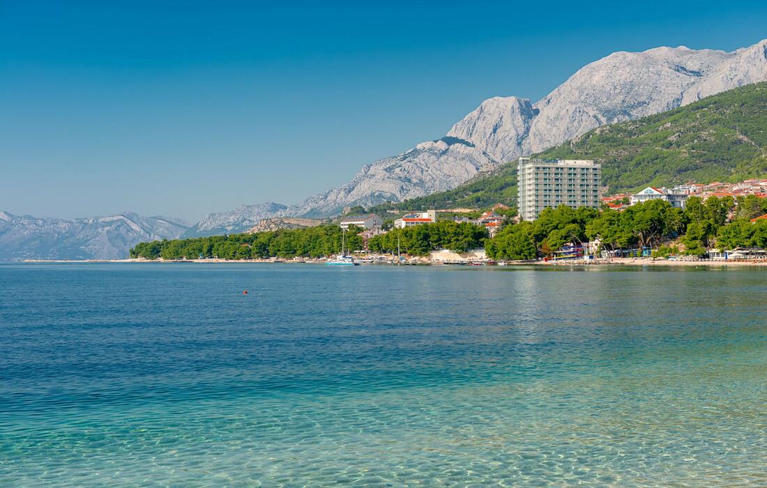 Ljetovanje u Hrvatskoj, Makarska, Dalmacija Sunny hotel, pogled sa obale