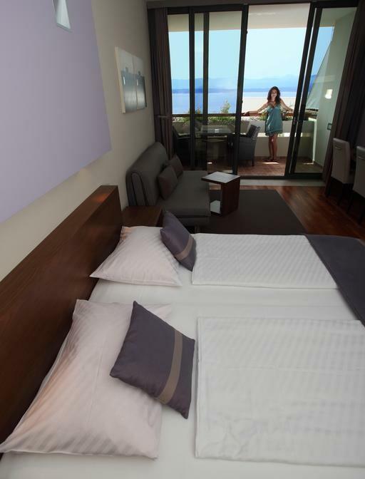 Otok Brač, Bol, Bretanide Sport & Wellness Resort, soba sa balkonom