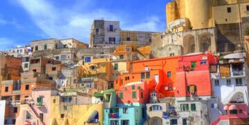 Šarene fasade u Napulju, putovanje jug Italije, garantiranu polazak