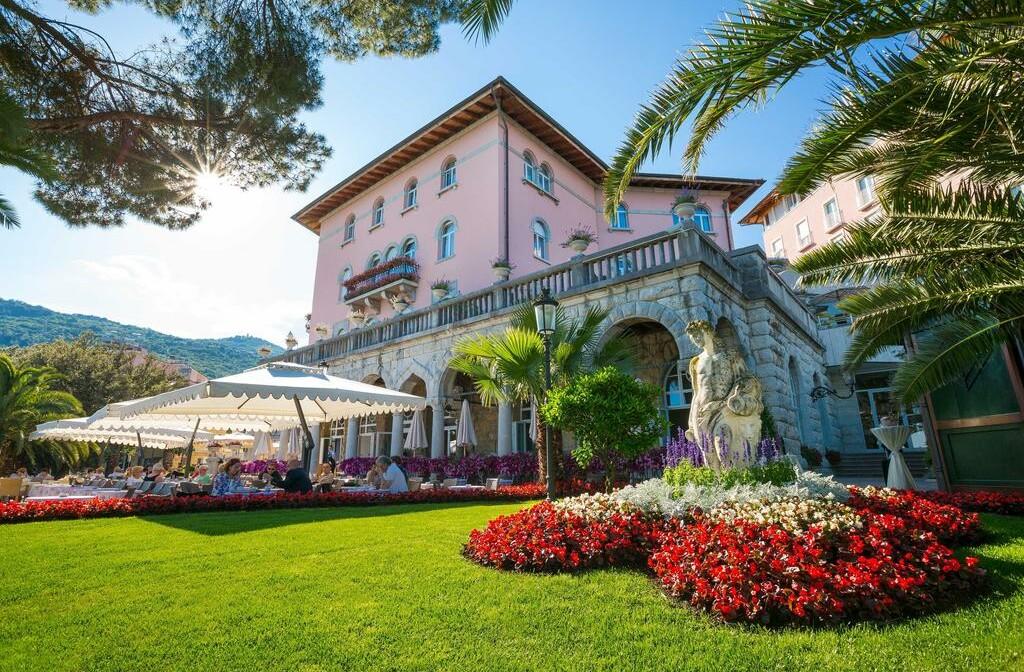 Hrvatska, ljeto, Opatija, hotel Milenij, vanjski izgled