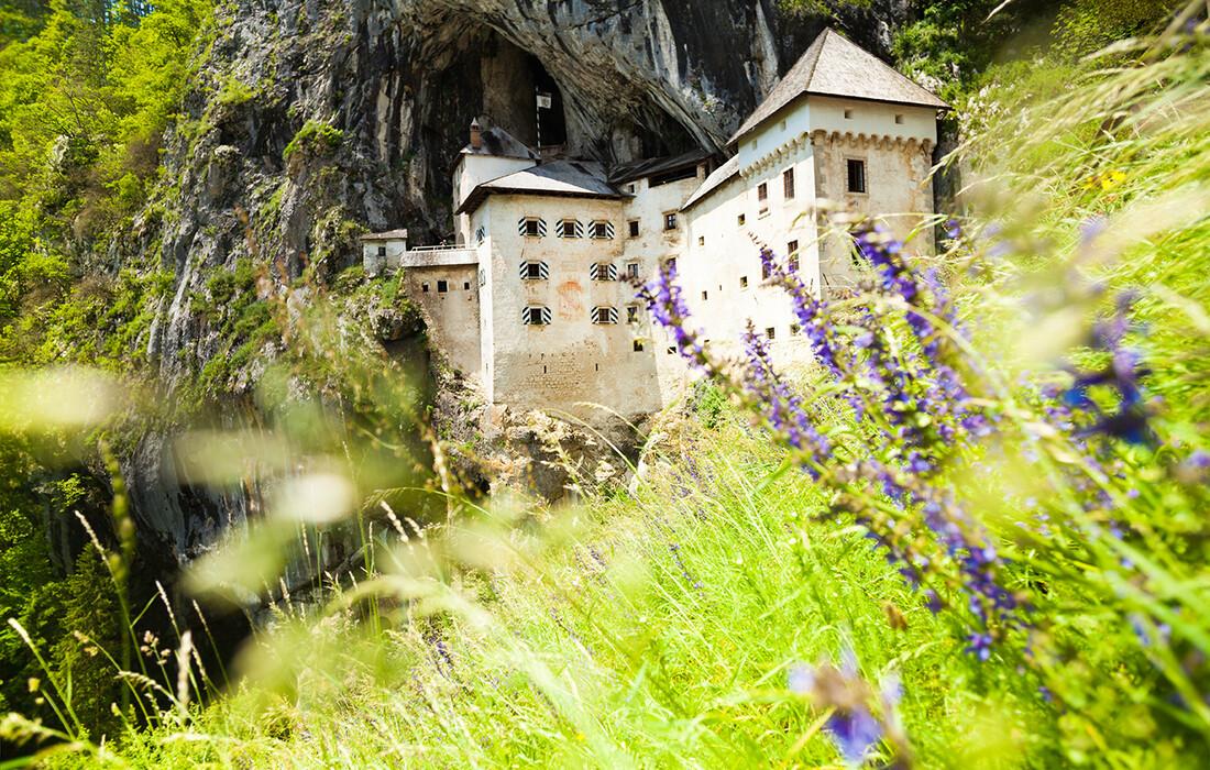 Predjamski grad u Postojni, Upoznajmo Sloveniju, Vikend putovanja, mondo travel