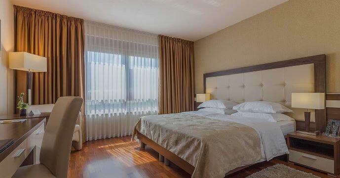 Hotel Degenija, dvokrevetna soba