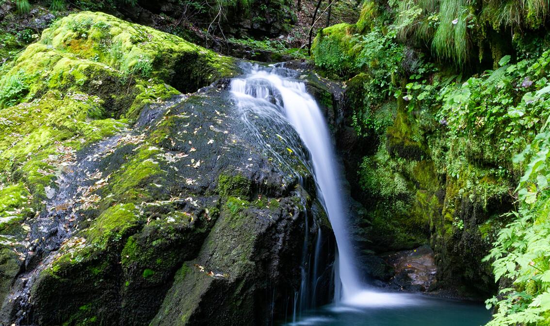 Gorski kotar, Skrad, Vražji prolaz, vodopad,  grupni polasci, putovanje autobusom
