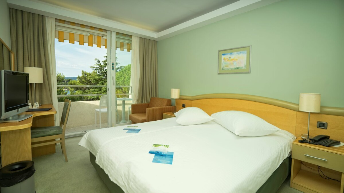 Cres, Hotel Kimen, dvokrevetna soba