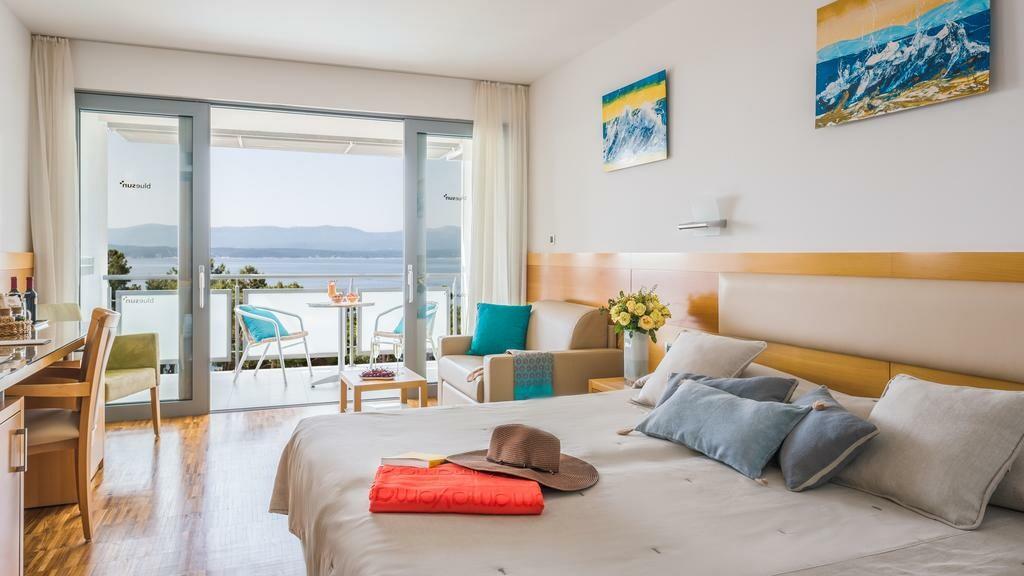 Otok Brač, Bol, Bluesun hotel Elaphusa, Premium soba