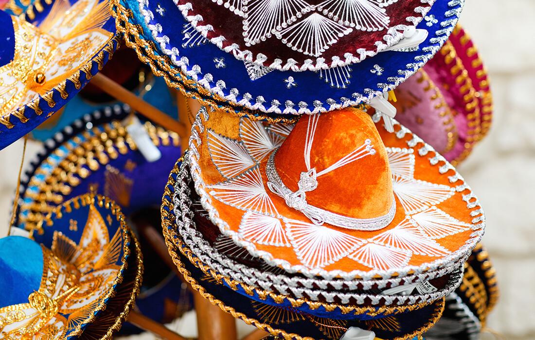 tradicionalni šareni šeširi sombrero,  Mondo travel, daleka putovanja, garantirani polazak