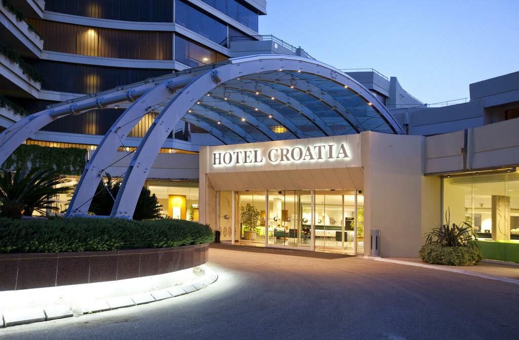 Cavtat, Hotel Croatia, ulaz u hotel