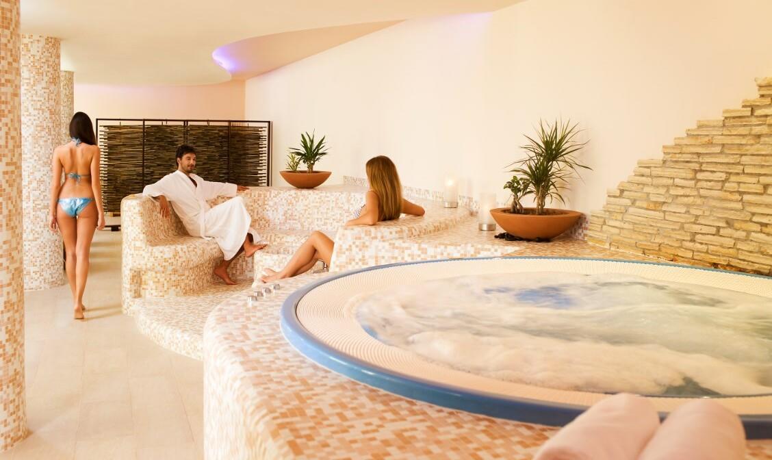 Jacuzzi u wellness centru hotela Valamar Hotel Sanfior, Rovinj, mondo travel