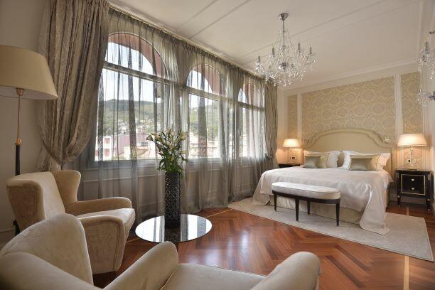 Hrvatska, ljeto, Opatija, hotel Milenij, soba sa pogledom na grad