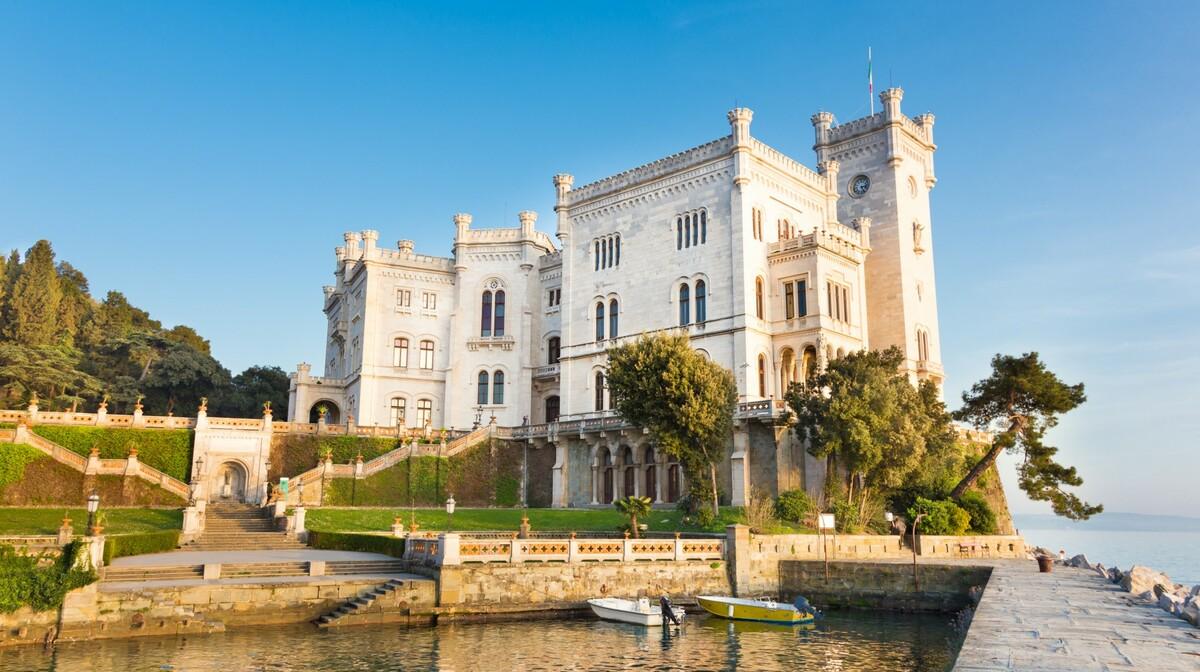 Dvorac Miramare, trst, putovanje u Italiju, putovanje autobusom