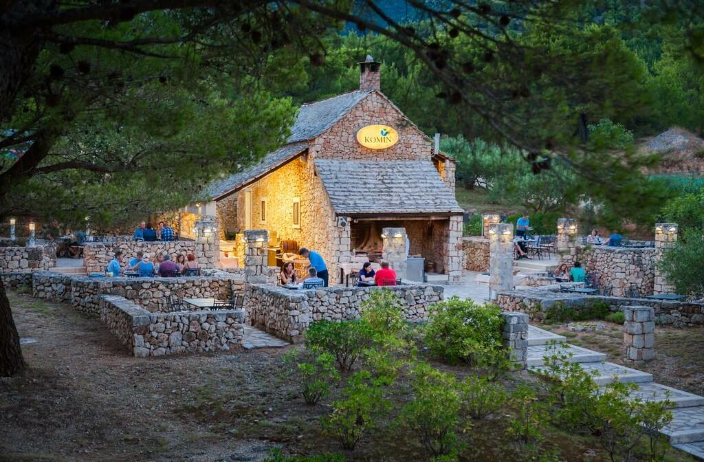 Otok Brač, Bol, Bretanide Sport & Wellness Resort, etno village