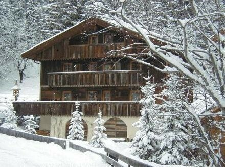 Skijanje u Italiji, Alta Badia, Colfolsco, Apartmani Chalet Morin, pogled izvana