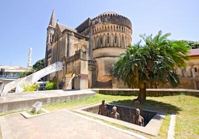 Zanzibar - Spomenik tržnici robova na Zanzibaru