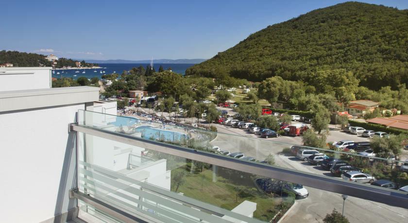 Pogled s balkona hotela Narcis, Rabac, mondo travel