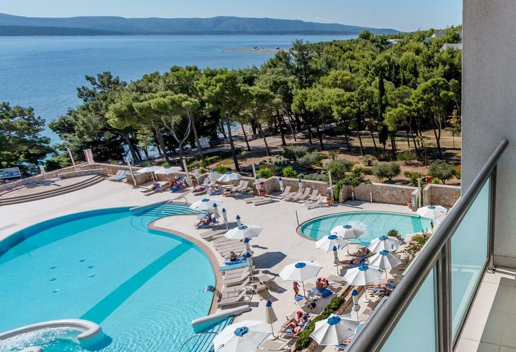 Otok Brač, Bol, Bluesun hotel Elaphusa, vanjski bazen