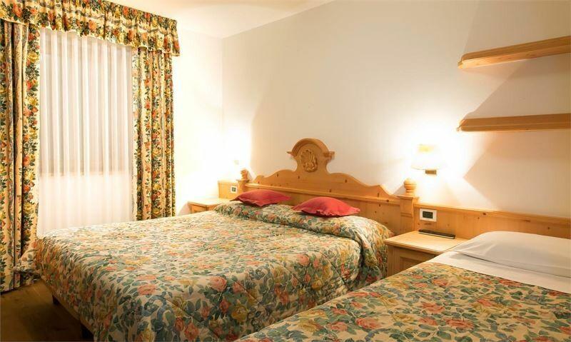 Skijanje u Italiji, Alta Badia, Colfosco, Residence Elisa, primjer spavaće sobe