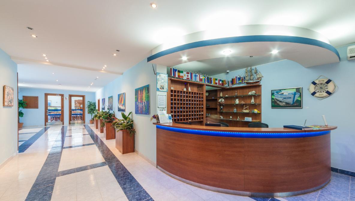 Hotel_Bolero,_recepcija