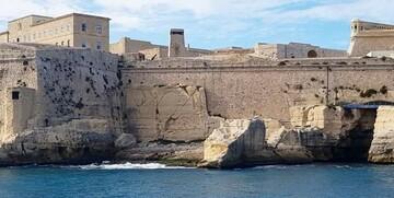Malta, La Valetta, pogled na zidine, garantirani polasci, ljetovanje na mediteranu