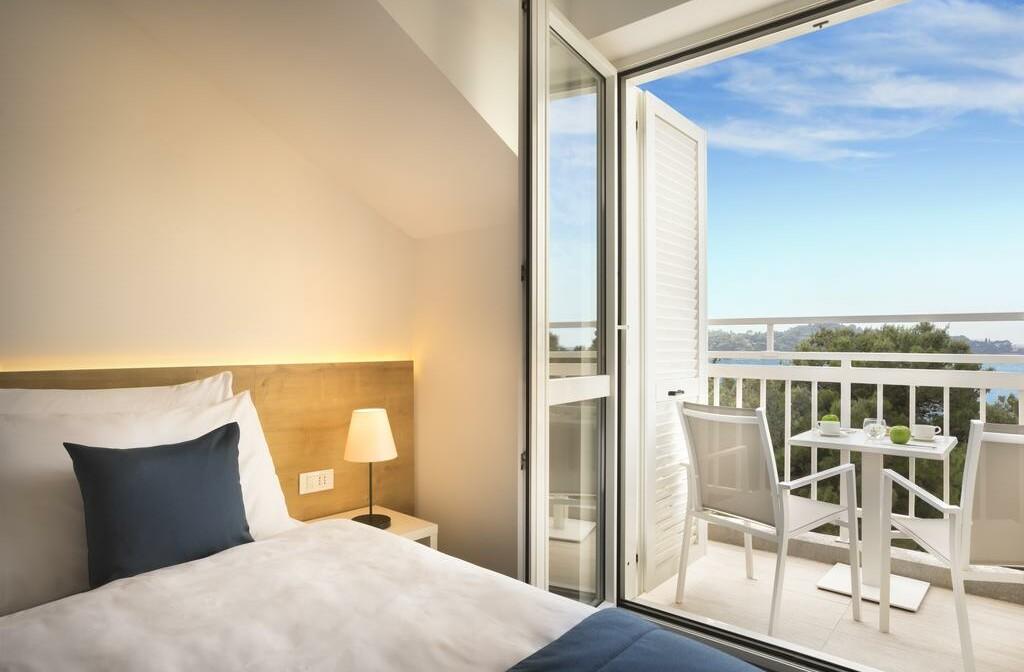 Cavtat, Remisens hotel Epidaurus, soba sa balkonom,pogled more