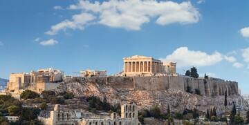 Atena, pogled na Akropolu koja je na UNESCO popisu svjetske baštine, putovanje zrakoplovom