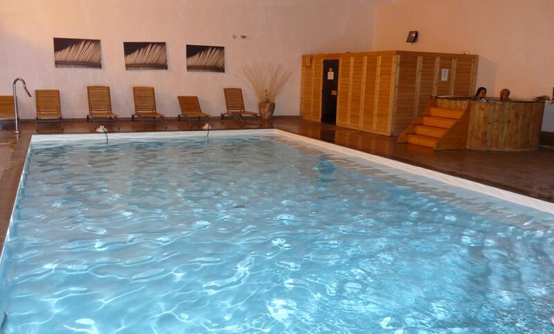 Skijanje u Francuskoj, Val Thorens, Residence Le Hameau des Eaux d' Orelle, bazen