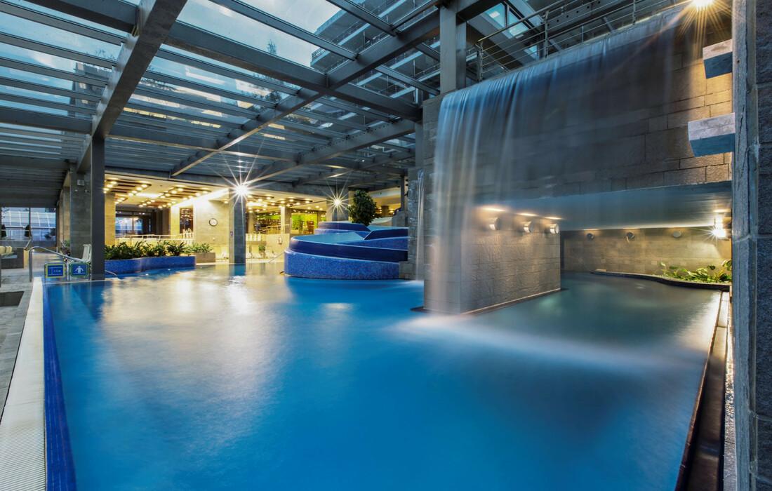 Skijanje u Sloveniji, Bled, Hotel Rikli Balance Hotel, vanjski bazen
