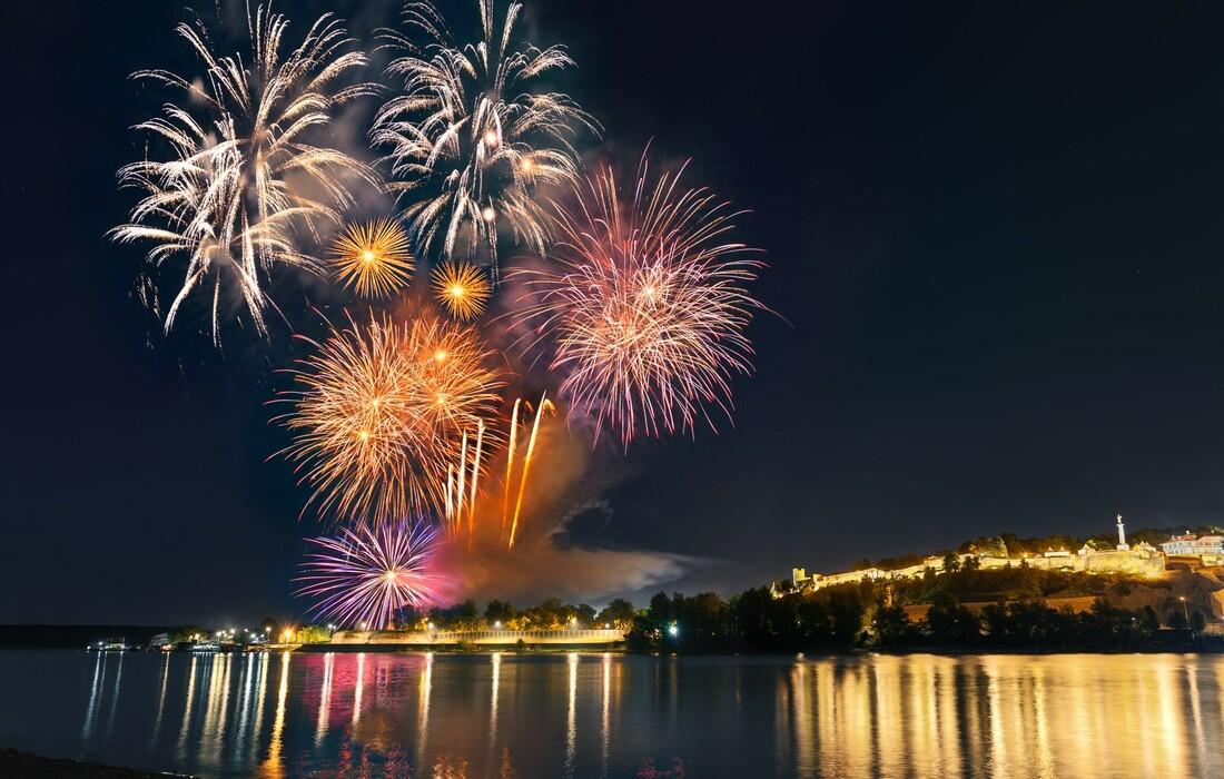 Novogodišnji vatromet, putovanje autobusom, garantirano putovanje, europsko putovanje, Mondo travel