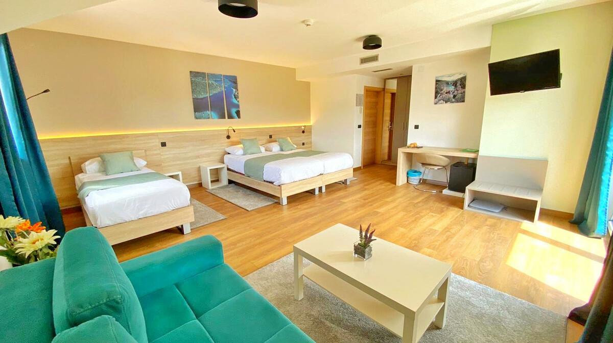 Plitvice, Hotel 16lakes, trokrevetna deluxe soba
